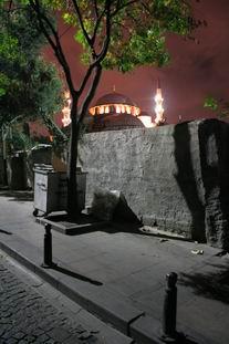 Задний двор ЧАЙной в Стамбуле