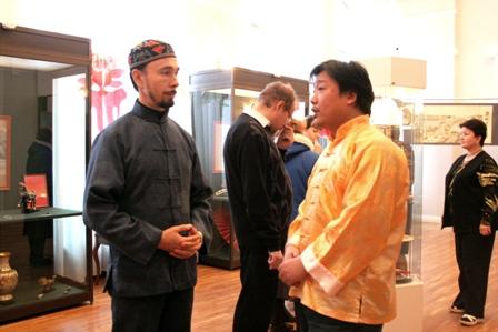 Ван Хуафань и ФархатДжа